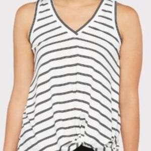 Evereve Allison Joy knotted tank